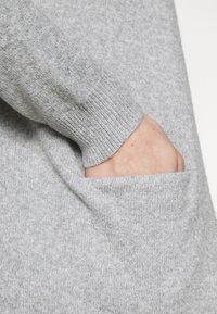 Vero Moda - VMDOFFY SHORT OPEN - Cardigan - light grey melange - 5