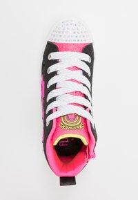 Skechers - FLIP-KICKS ZEBRA REVERSIBLE SEQUINS - Vysoké tenisky - black sparkle/neon pink - 1