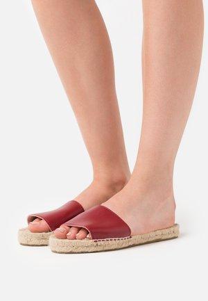 VEGAN CLASSIC FLATS - Mules - burgundy