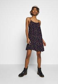 Superdry - DAISY BEACH DRESS - Korte jurk - navy floral - 1
