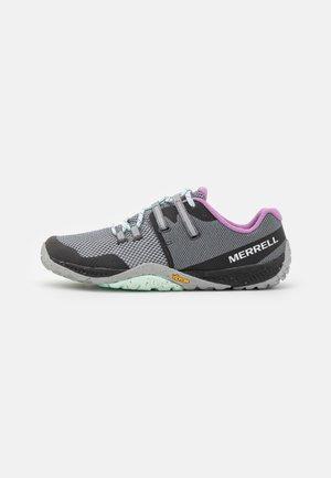 TRAIL GLOVE 6 - Minimalist running shoes - high rise