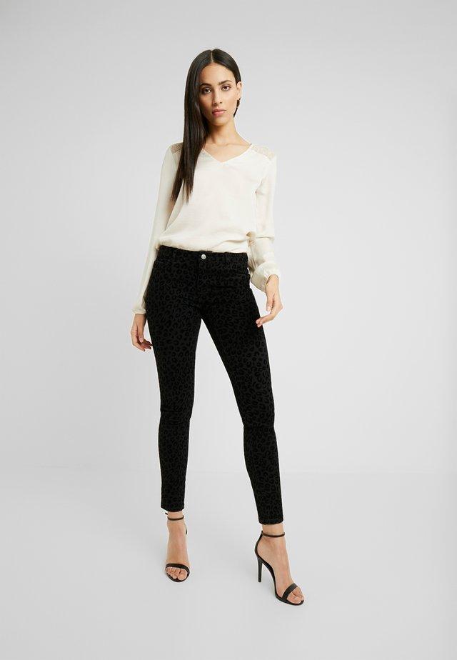 ONYCARMEN - Jeans Skinny Fit - black