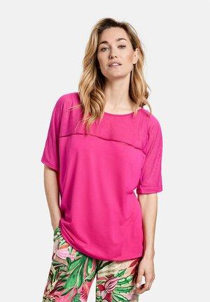 Print T-shirt - rasberry