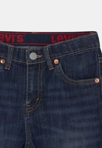 Levi's® - PERFORMANCE  - Jeans Short / cowboy shorts - dark blue denim - 2