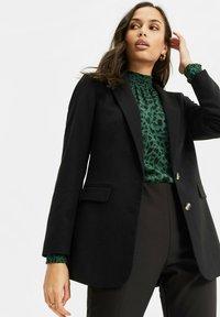 WE Fashion - Short coat - black - 3