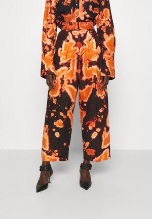 CREW TROUSERS - Broek - orange