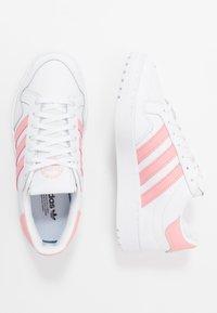 adidas Originals - TEAM COURT  - Trainers - footwear white/glow pink/core black - 0