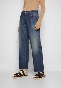 MM6 Maison Margiela - PANTS 5 POCKETS - Relaxed fit jeans - vintage/blue - 0