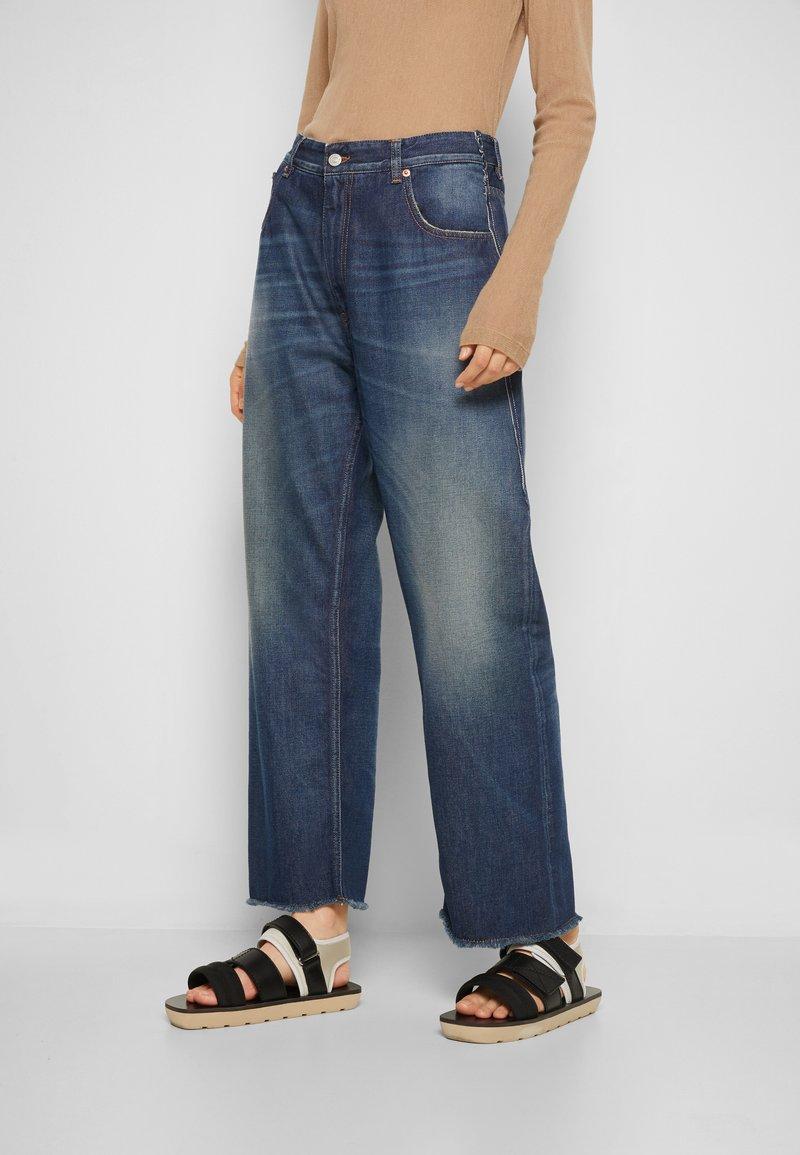 MM6 Maison Margiela - PANTS 5 POCKETS - Relaxed fit jeans - vintage/blue