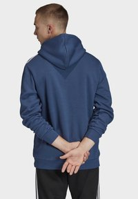 adidas Originals - 3-STRIPES HOODIE - Sweat à capuche - blue - 1