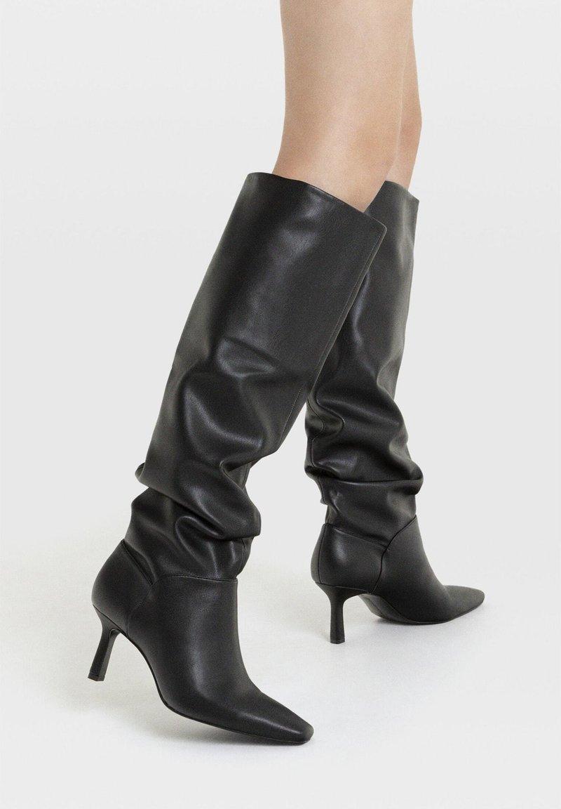 Stradivarius - Boots - Black