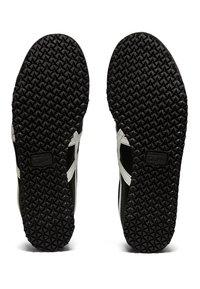 Onitsuka Tiger - MEXICO 66 - Sneakers basse - black/white - 4