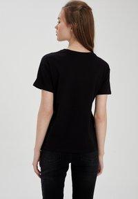 DeFacto - PACK OF 2 - Basic T-shirt - karma - 6