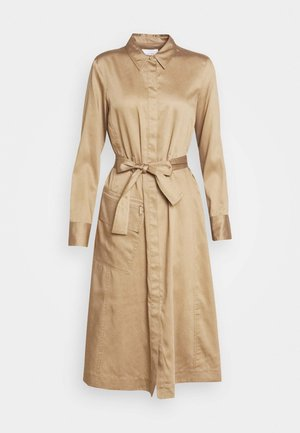 DRESS LONG SLEEVES UTILITY DETAILS CARGO POCKET - Shirt dress - mellow almond