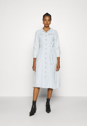 REED DRESS - Jeanskjole / cowboykjoler - painted sky