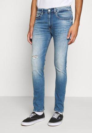 CKJ 016 SKINNY - Jeans Skinny Fit - ab014 light blue dstr