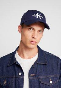 Calvin Klein Jeans - MONOGRAM  - Cap - blue - 1