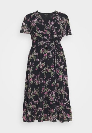 TILLIE CURVE PLEATED MAXI WRAP DRESS - Day dress - midnight blossom