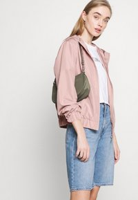 ONLY - ONLLOUISA SPRING JACKET - Lett jakke - adobe rose - 3