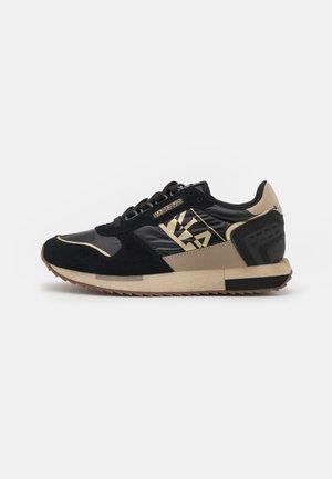 VICKY - Sneakersy niskie - black