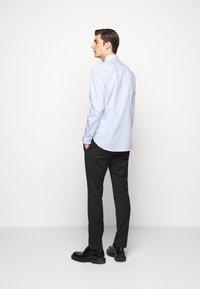 Michael Kors - PRINTED EASY CARE SLIM FIT - Formal shirt - light blue - 2