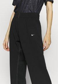 Nike Performance - PANT - Trainingsbroek - black/metallic silver - 5
