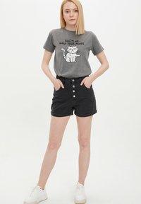 DeFacto - Shorts vaqueros - black - 3