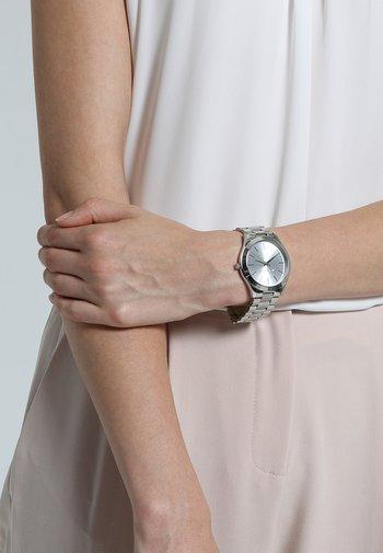 SLIM RUNWAY - Watch - silver-coloured