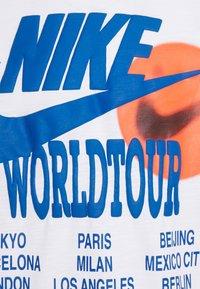 Nike Sportswear - Long sleeved top - white - 6