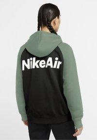 Nike Sportswear - Sudadera con cremallera - silver pine/white/black/white - 2