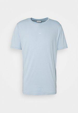 HANGER TEE - Basic T-shirt - pale blue