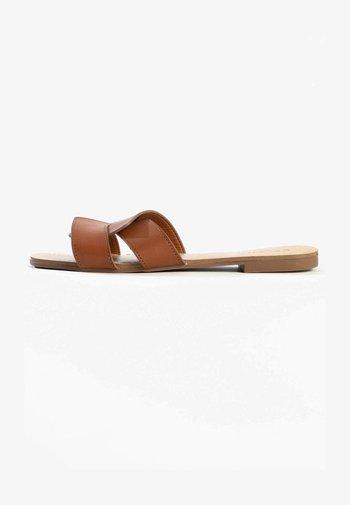 CELESTE  - Mules - brown