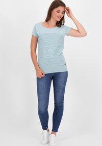 alife & kickin - Print T-shirt - ice - 1