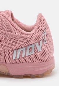Inov-8 - F-LITE 245  - Sportschoenen - pink/clear - 5