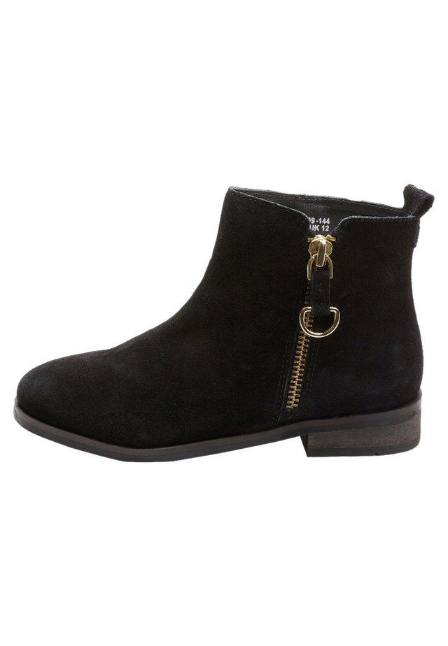 ZIP CHELSEA BOOTS - Bottines - black