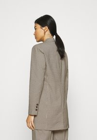JUST FEMALE - KELLY - Short coat - taupe - 2