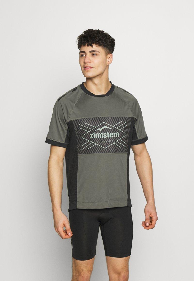 Zimtstern - TECHZONEZ MEN - Print T-shirt - gun metal/pirate black/granite green