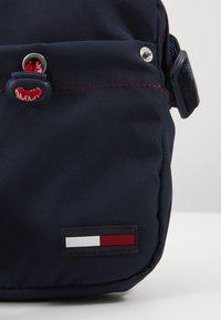 Tommy Jeans - TJM CAMPUS  MINI REPORTER - Across body bag - blue - 2