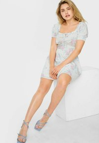 C&A - ARCHIVE - Day dress - white - 2
