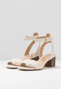 MICHAEL Michael Kors - PETRA MID - Sandaler - light cream - 4