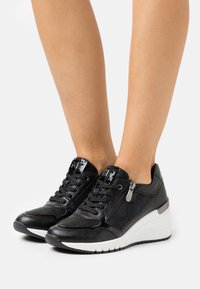 Marco Tozzi - LACE-UP - Sneakers laag - black - 0