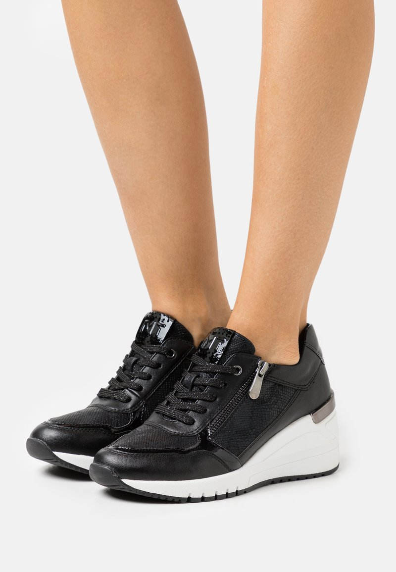 Marco Tozzi - LACE-UP - Sneakers laag - black