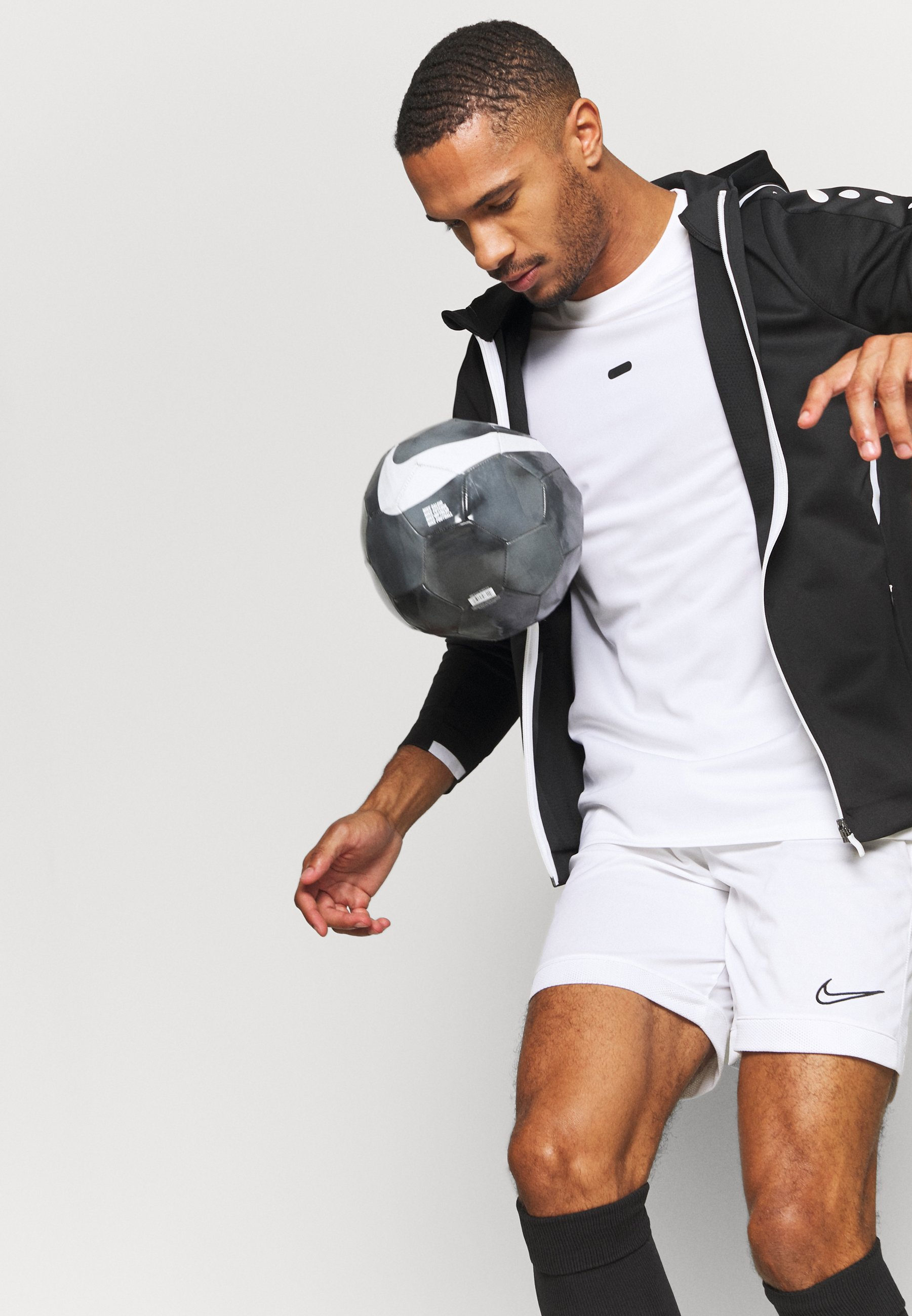 Men CHALLENGE MIT KAPUZE - Training jacket