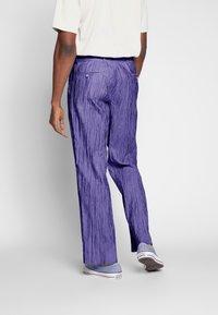 Hope - HIDE TROUSER - Trousers - purple - 2
