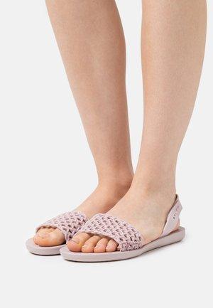 BREEZY - Sandály do bazénu - lilac