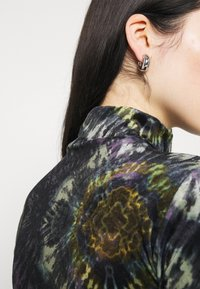 BDG Urban Outfitters - FUNNEL - Top sdlouhým rukávem - multi coloured - 5