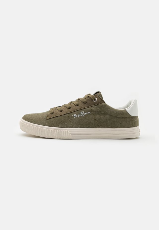 V100 - Sneakers laag - olive