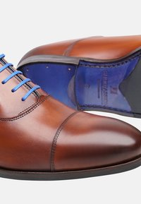 SHOEPASSION - NO. 5571 BL - Smart lace-ups - cognac