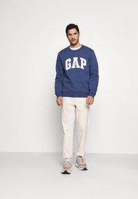 GAP - ORIGINAL ARCH CREW - Sweater - blue shade - 1