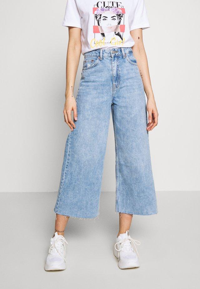 AIKO - Jeans a zampa - destiny blue